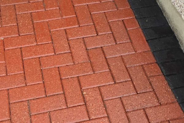 Block paving resealing with colour